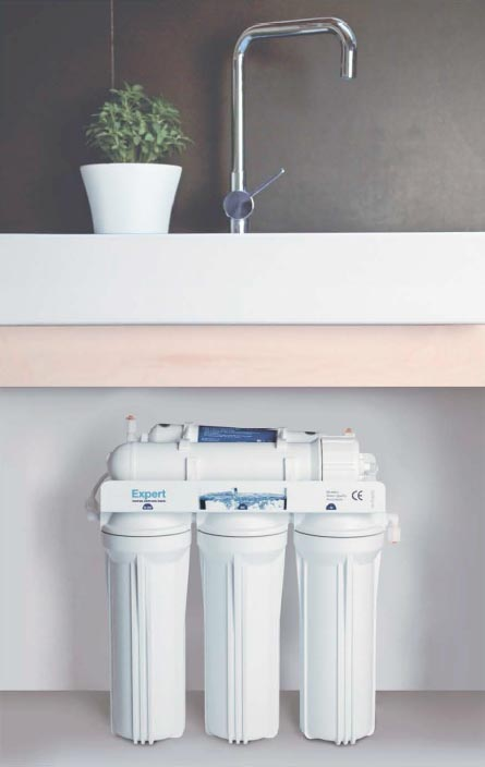 Equipo doméstico para la purificación del agua por osmosis inversa